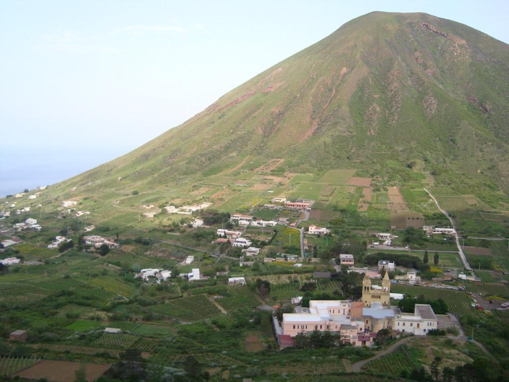 trekking a salina, itinerari a Salina